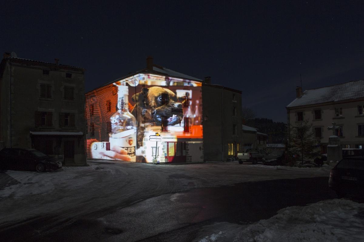 Place de village-Issertaux-BD-5220
